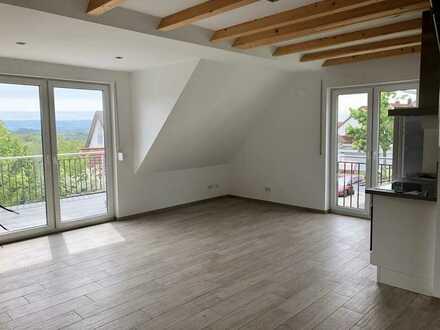 Neue Maisonette, zwei Stockwerke, 70qm, großer Balkon, tolle Aussicht, EBK, Stellplatz, Stadtnah
