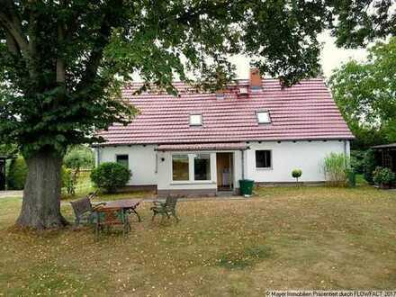 Am Feld gelegenes Einfamilienhaus auf Riesengrundstück mit Ausbaureserve im ländlichen Wölsickendorf