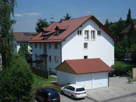 Helle 3 Zimmer Wohnung mit Balkon in ruhiger Wohngegend in Seefeld