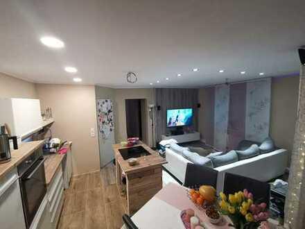 *** Schöne 2-Zimmer Wohnung mit Terrasse und Gartenanteil***