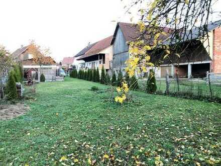Massives und gepflegtes Einfamilienhaus mit großzügigem Grundstück in Burgau