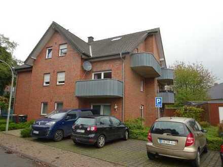 Großzügige Eigentumswohnung mit 2 Garagen und Gartenanteil