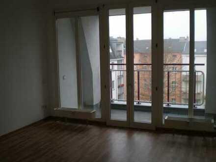 Bild_große 3-Zimmer-Wohnung mit Balkon
