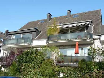 Modernes Wohnen in 2-Zimmer Maisonnette-Kamin-Whg. zzgl. Galerie in Grünlage, nah zum Rhein gelegen!