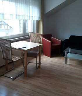 Möblierte kleine Wohnung mit Balkon zu vermieten