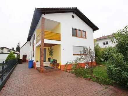 Funktionell geschnittenes 2-Familienhaus mit Garten in ruhiger Wohnlage von Stockstadt