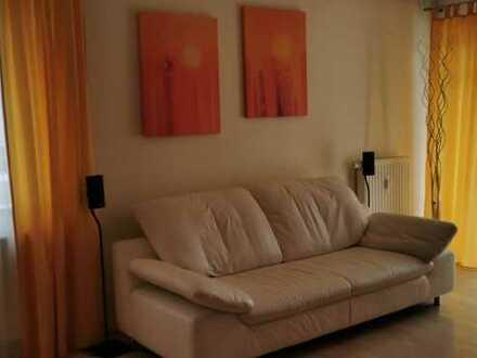 Gepflegte EG-Wohnung mit zwei Zimmern sowie Terrasse und EBK im Herzen Laupheims