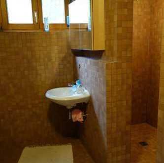 ruhiges Zimmer mit Bad, stadt- und naturnah