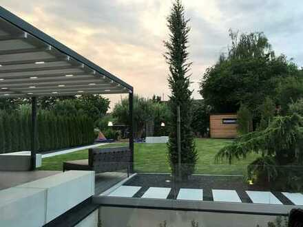 Modernes Einfamilienhaus mit hochwertiger Ausstattung und großem Garten