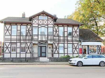 Gepflegtes Fachwerk-ZFH mit Innenhof, Terrasse und vermieteter Gewerbeeinheit nahe Wolfsburg!