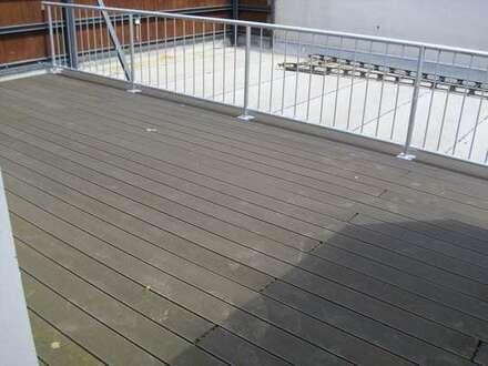 Schick wohnen mit Dachterrasse in der Innenstadt!