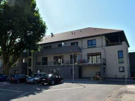 Erstbezug! Barrierefreie, hochwertige Wohnung mit großer Terrasse und Einbauküche