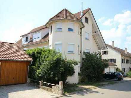 Gepflegtes 3-Familienhaus in Rottenburg-Eckenweiler mit Garagen