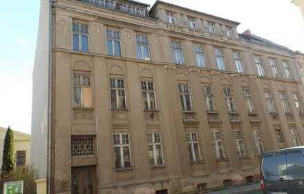Sanierungsbedürftiges Geschäftshaus in der Innenstadt zu verkaufen