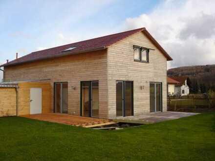 NEWER FREESTANDING HOUSE WITH VIEW! Neuwertiges freist. EFH mit schönen Fernblick!