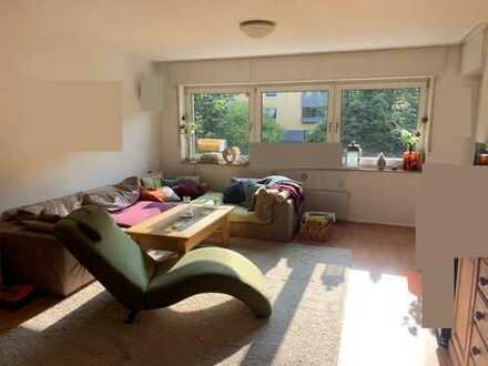 *TOP* Gepflegte 4-Raum-Wohnung mit Balkon und Einbauküche in Köln-Weiden