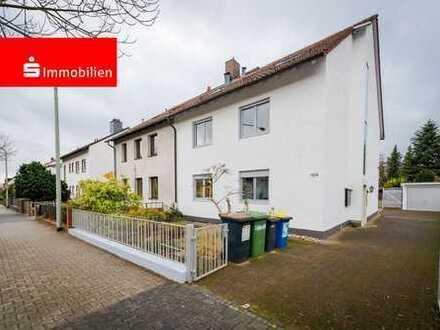Bestlage in Berkersheim - solides, vermietetes 4-Familienhaus auf großem Grundstück