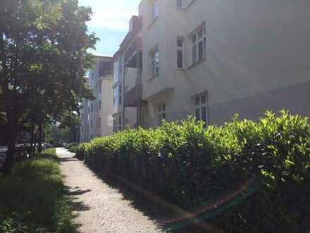 Schöne, geräumige drei Zimmer Wohnung in Berlin, Karlshorst (Lichtenberg)