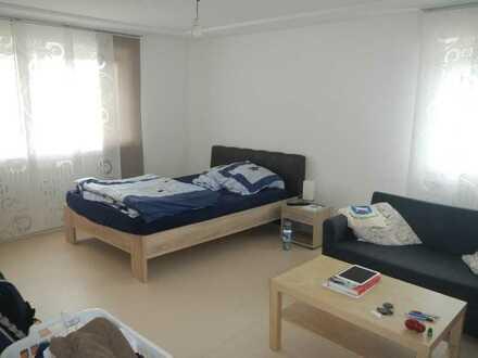 Schöne, gepflegte 1-Zimmer-EG-Wohnung mit Einbauküche in ruhiger Lage- ideal für Wochenendpendler