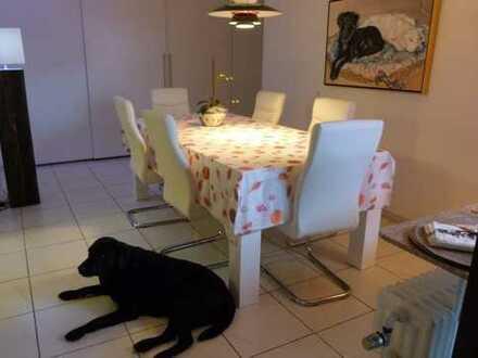 Kuscheliges Haus für eine kleine Familie, gerne mit Hund!
