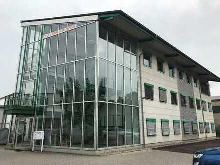 Gewerbeobjekt mit 2 Lagerhallen, Büro- u Ausstellungsfläche nahe 56218 Mülheim Kärlich zu verkaufen