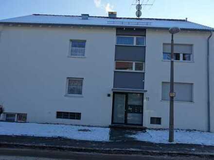 Ab sofort zu beziehen- großzügige teilsanierte 2-Zimmer-Wohnung mit Terrasse - sehr zentral in SiFi