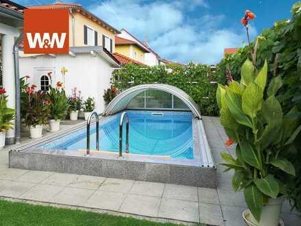 Luxuriöse Doppelhaushälfte mit Pool und Sauna bei Regensburg
