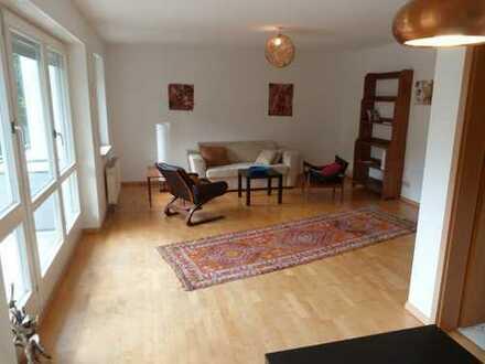 Gepflegte Hochparterre-Wohnung mit zwei Zimmern sowie Balkon und Einbauküche in Grenzach-Wyhlen