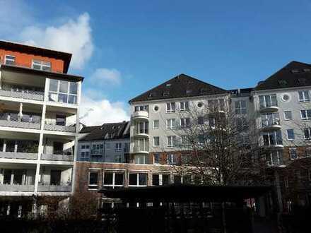 Sehr ruhige helle modern möblierte 2-Zimmer m Südbalkon, TG i. einer der besten Lagen Düsseldorfs