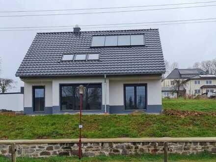 Stadtnah und im Grünen - Modernes Einfamilienhaus, Erstbezug, ruhige Lage