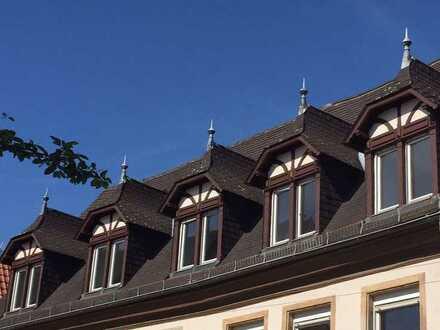 Helle Dachwohnung mit großer Dachterasse in bester Altstadtlage