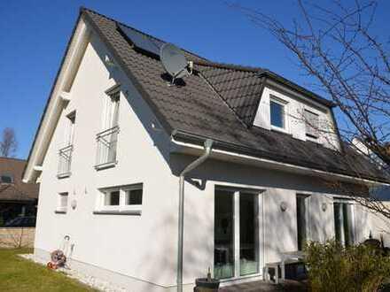 Traumhaftes freistehendes Einfamilienhaus in Düsseldorf-Stockum!