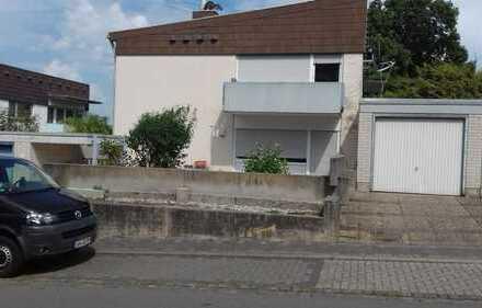 Gepflegte 2 Zimmer, Küche, Bad, Keller Wohnung mit Balkon in Bad Bergzabern