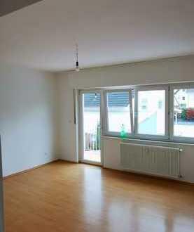 Sonnige 4-Zimmer-Wohnung mit Balkon