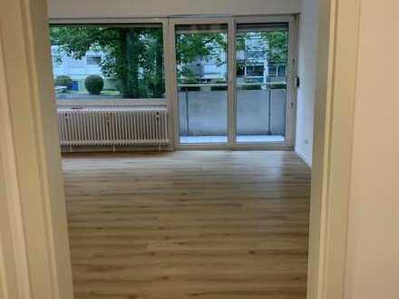 Schöne komplett Neu-Sanierte ein Zimmer Wohnung in Eschborn