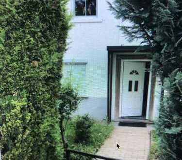 Gepflegtes 2-Familienhaus mit Anliegerwohnung sucht neuen Besitzer