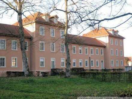3-Zimmer-Eigentumswohnung mit Garage und Pkw-Stellplatz in historischer Gebäudeanlage in Achern