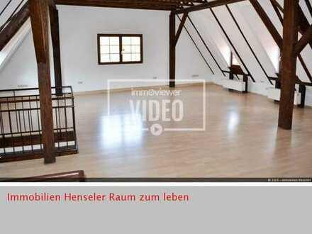 Raum zum Leben Außergewöhnliche Maisonette 4,5 Zimmer mit Terrasse im Herzen von Ladenburg