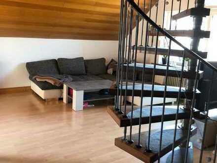 Gepflegte Dachgeschosswohnung mit fünf Zimmern und Balkon in Malsch