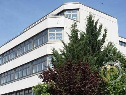 Attraktive Büroetage im 2. Obergeschoss mit Ausblick und S-Bahnanschluss