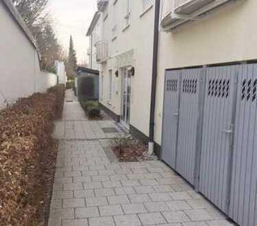 München/Neubiberg - Zentrum - 3 ZKB mit großer Südterrase und sehr schönem Garten - ruhige Lage