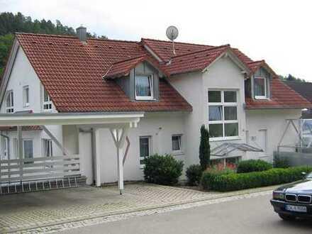 Wunderschöne 2-Zimmer-Dachgeschoßwohnung, ruhige naturnahe Ortsrandlage, besser geht nicht