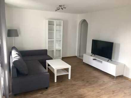 Möblierte, helle 2,5-Zimmer-Wohnung mit Balkon, neuer EBK und TG-Stellplatz in Stgt-Degerloch