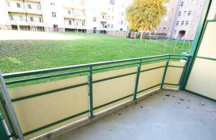 Helle Balkonwohnung mit Einbauküche zur Kapitalanlage!