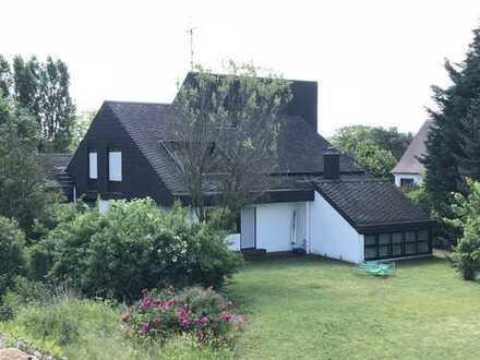 Schönes, geräumiges Haus in ruhiger Lage von Ensheim