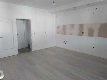 Erstbezug nach Komplett-Sanierung: attraktive 5-Zimmer-Wohnung mit Wohnkü., Flur Loggia in Waghäusel