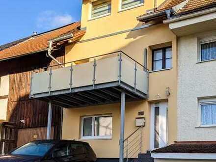 Attraktives und modernisiertes 4-Zimmer-Reihenhaus in Jestetten von Privat