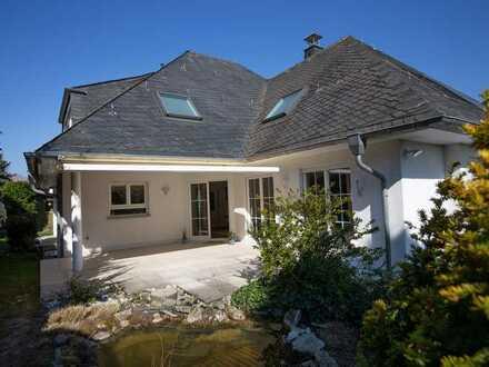Exklusive 3-Zimmer-DG-Wohnung mit Balkon und EBK am Kapellenberg
