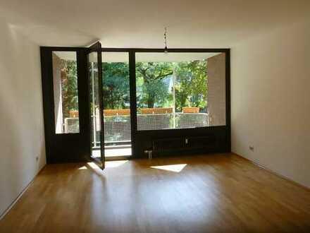 Sehr sonnige, vorteilhaft geschnittene 2-Zimmerwohnung in sehr guter Lage von Düsseldorf Benrath!