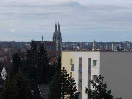 14_EI6368 Großzügige 3,5-Zimmer-Wohnung mit Süddachterrasse und Domblick / Regensburg - Nord